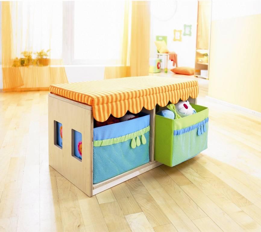 haba banc coffre chambre de poup e doudouplanet. Black Bedroom Furniture Sets. Home Design Ideas