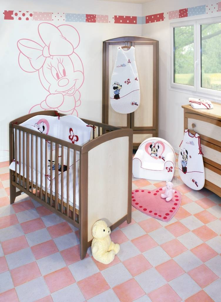 babycalin tour de lit minnie doudouplanet. Black Bedroom Furniture Sets. Home Design Ideas