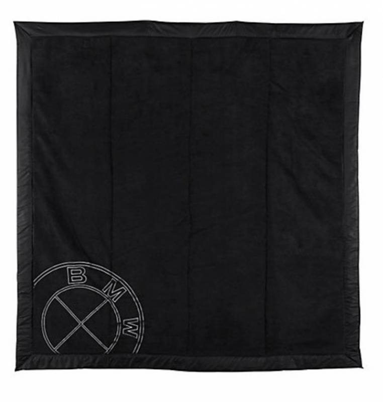 Maclaren - Plaid noir bmw Doudouplanet 2a913973aa7