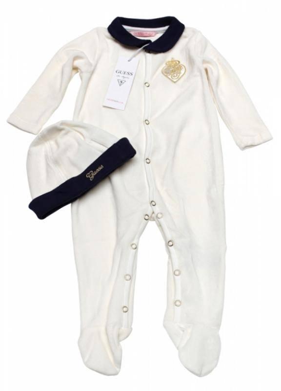 f0d131d612650 Guess Enfant - Pyjama et bonnet ivoire fille naissance