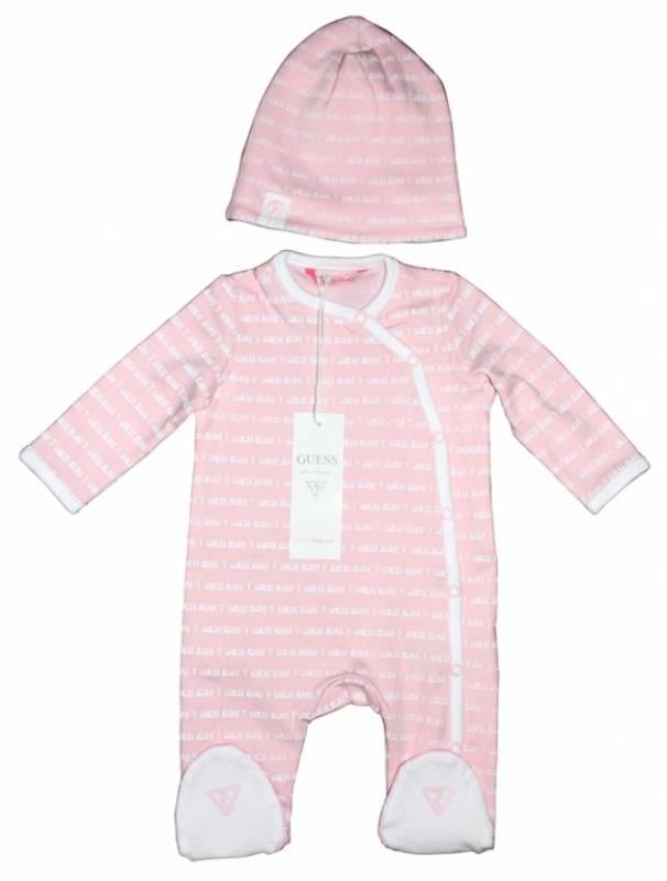 f8b5d3937cc62 Guess Enfant - Pyjama et bonnet rose naissance