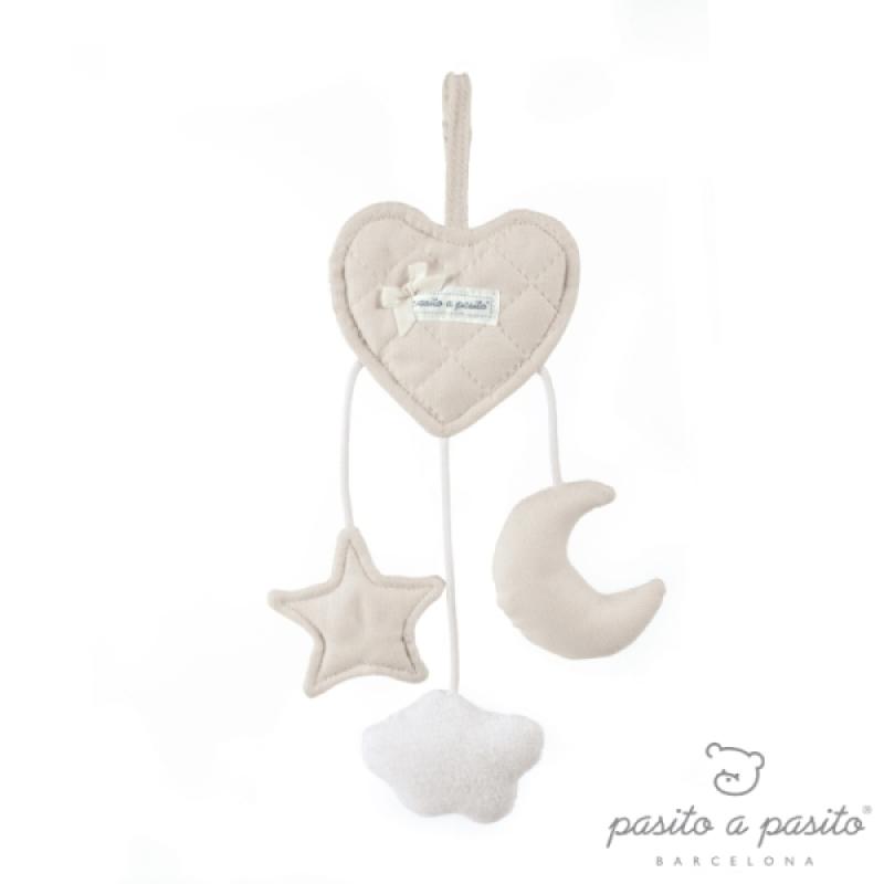 Hochet Coeur à Suspendre Oxford Beige de chez Pasito A Pasito, collection Fin de Collection Pasito