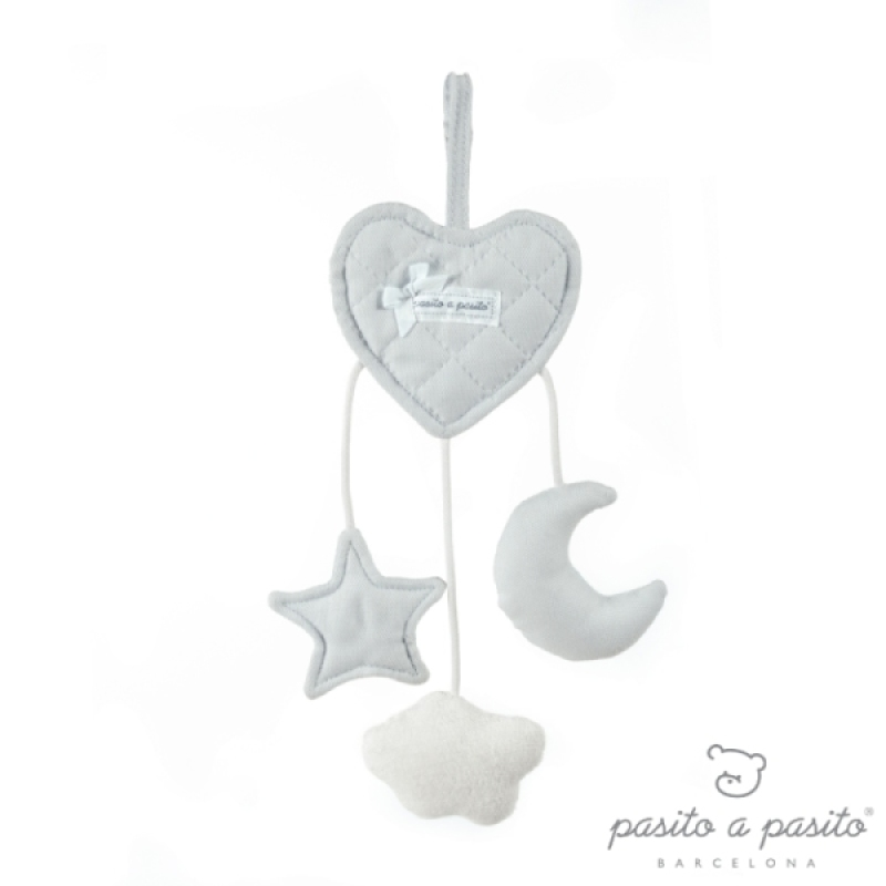 Hochet Coeur à Suspendre Oxford Gris de chez Pasito A Pasito, collection Fin de Collection Pasito