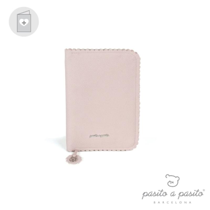 Protège carnet de santé Biscuit Rose de chez Pasito A Pasito, collection