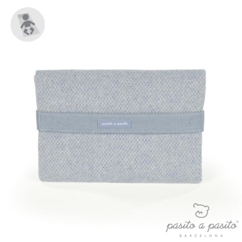 Tapis à langer Bohemian Bleu de chez Pasito A Pasito, collection Fin de Collection Pasito